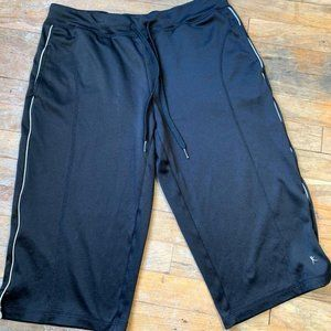 Danskin Now athletic capri pants Size Small